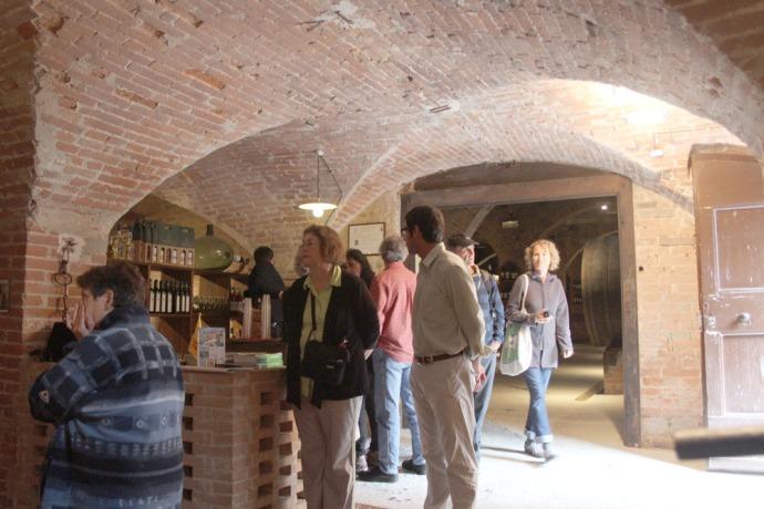 Monte Oliveto tasting room people