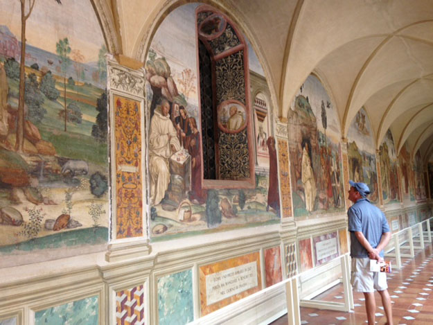 Monte Oliveto Wally and paintings