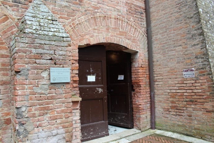 Monte Oliveto winery cantina entrance