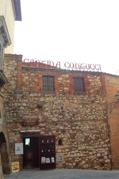 Montepulciano Cantina Contucci entrance