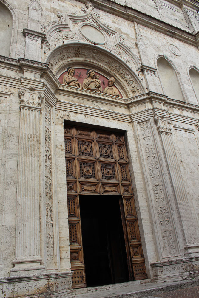 Montepulciano church door