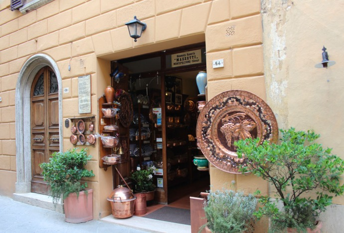 Montepulciano copper shop