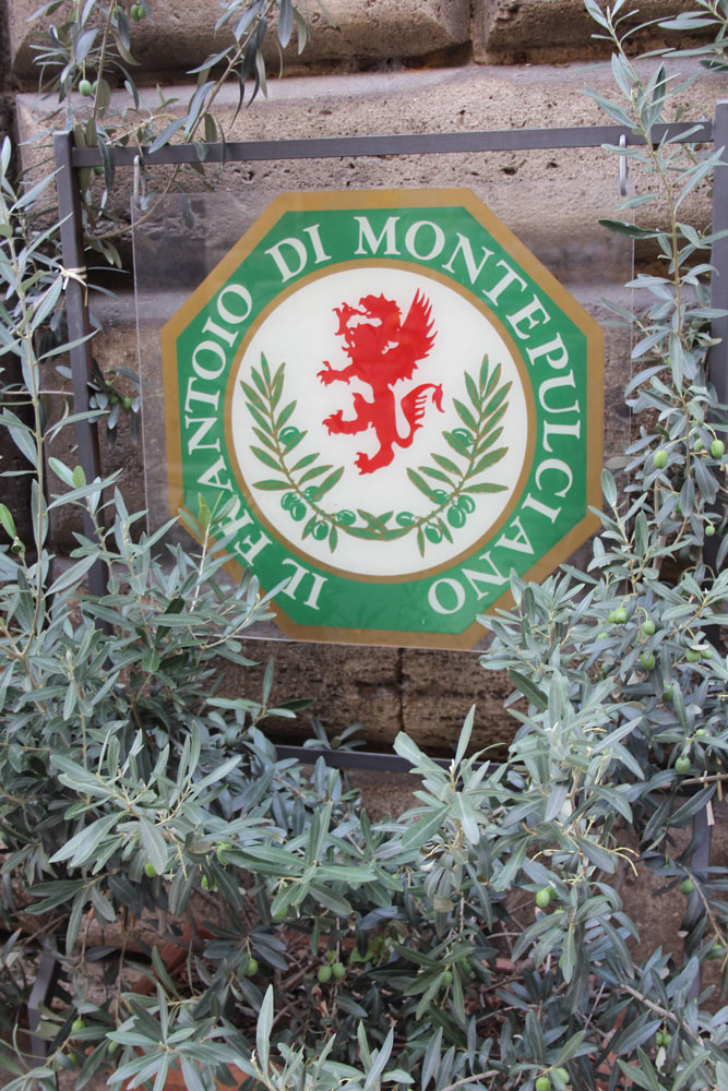 Montepulciano Frantoio sign