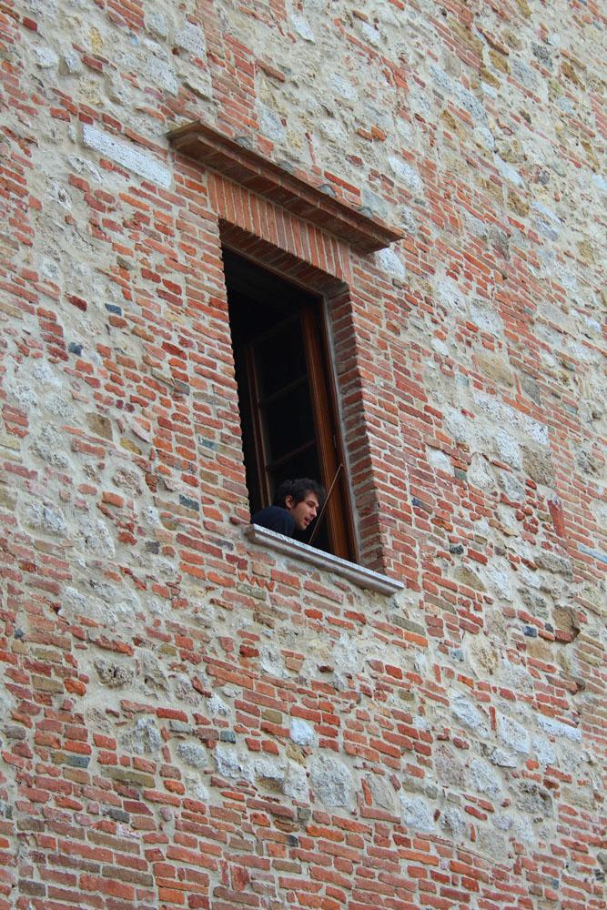 Montepulciano violin boy 1