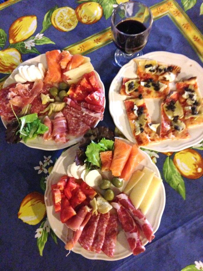 Wally's Italian antipasto & brushetta
