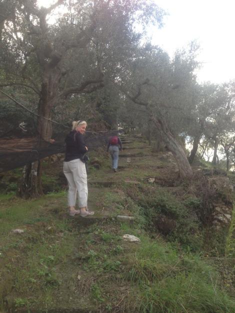 Erca, path shortcut, Jamie & Lucia 1