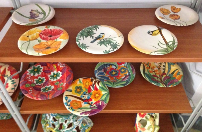 Massa Artinostre ceramics birds and floral plates