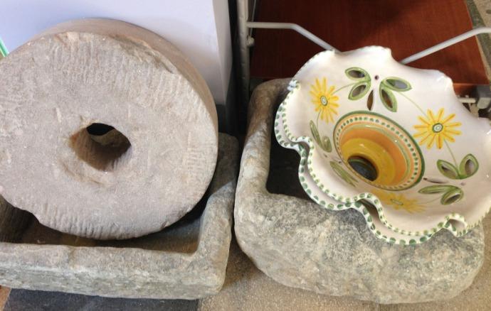 Massa Artinostre ceramics grist stone, bowls