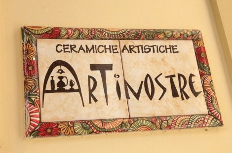 Massa Artinostre ceramics sign