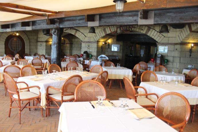 Massa Funicula dining room