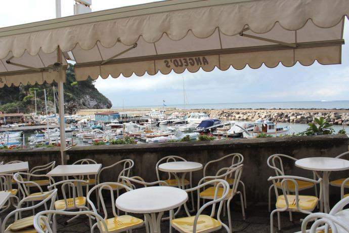 Massa marina Angelos view & tables