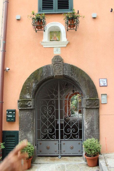 Massa pretty arched doorway