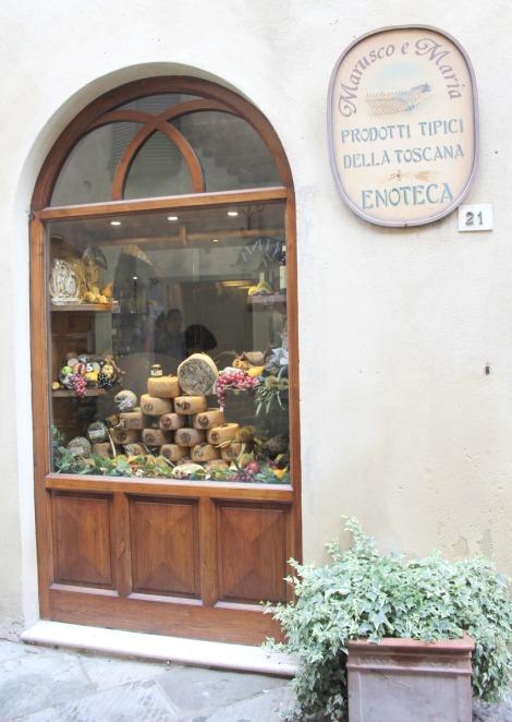 Pienza Enoteca window, sign