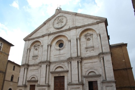 Pienza piazza big church