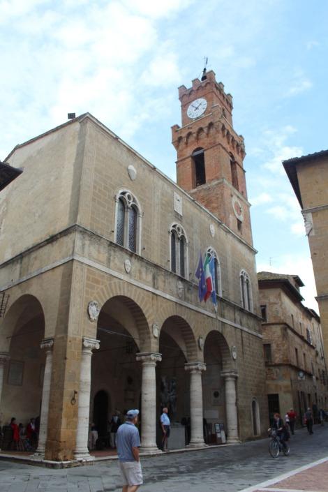 Pienza Wally, clock tower