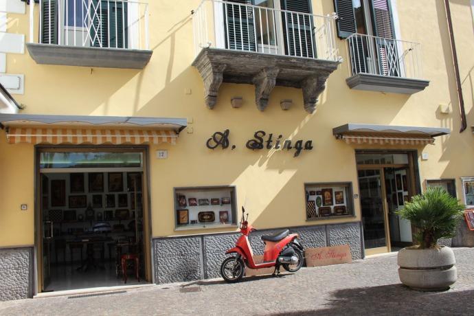 Sorrento A. Stinga shop exterior