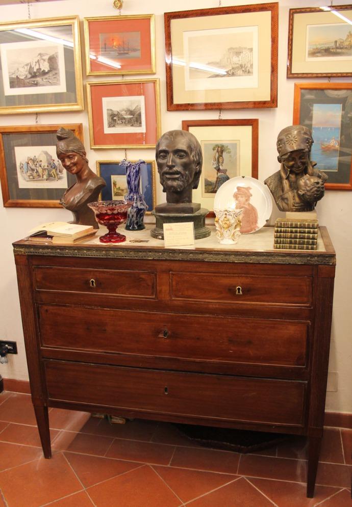 Sorrento antique chest, shop
