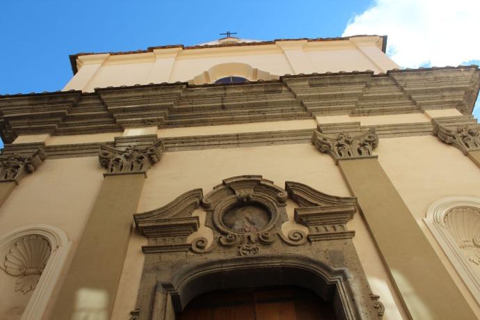 Sorrento church and sky vert