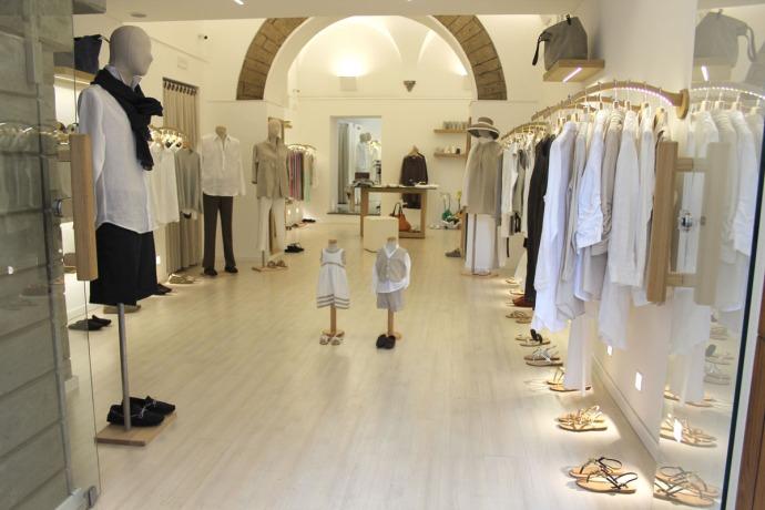 Sorrento clothing boutique, whites