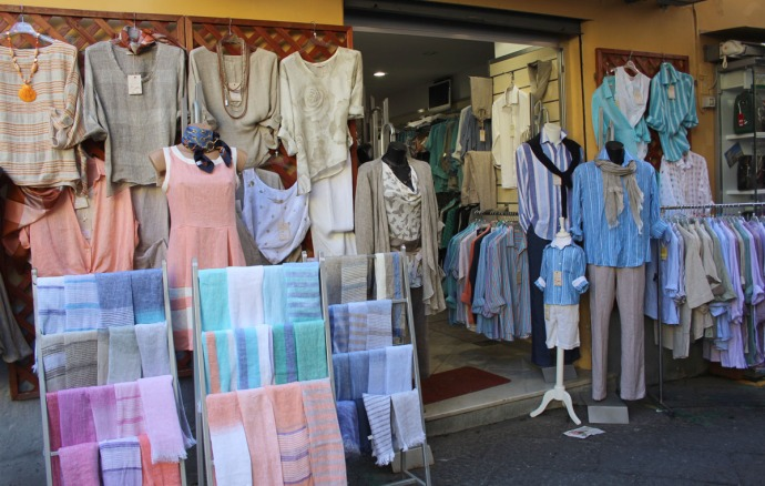 Sorrento Linen clothing boutique display
