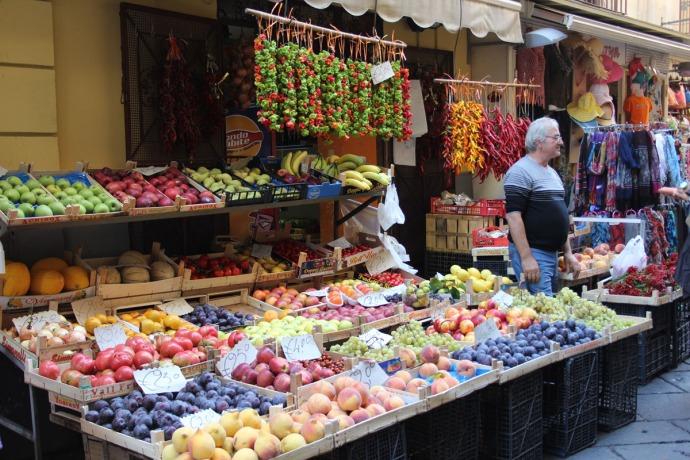 Sorrento produce shop display