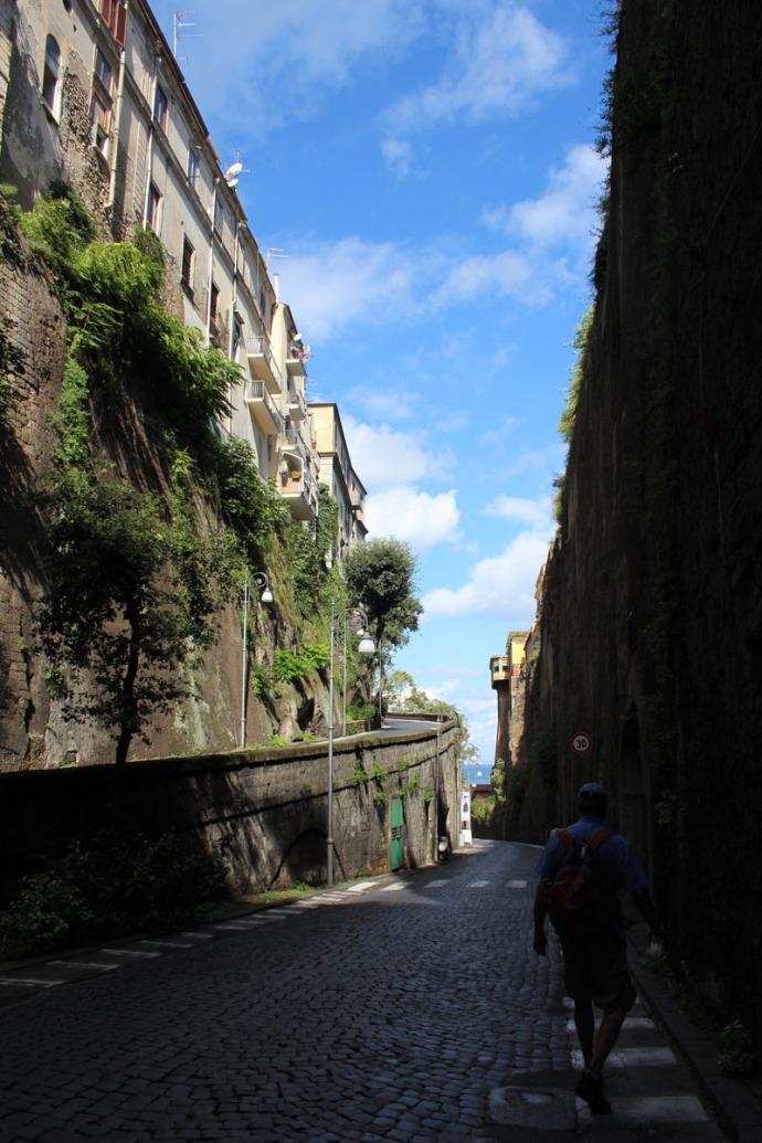 Sorrento road to boat docks