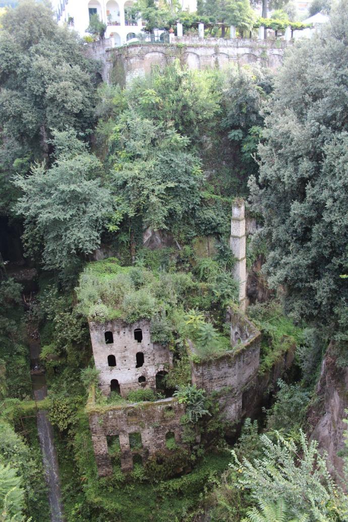 Sorrento Roman building in ravine