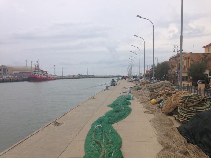 Fiumicino canal, nets