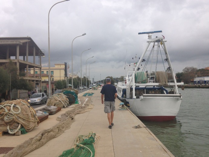 Fiumicino canal, Wally walking