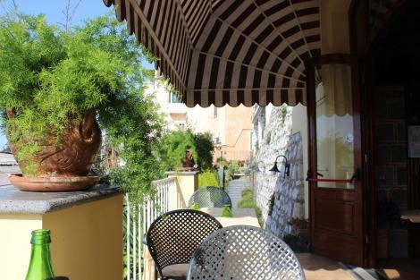 Massa Il Cantuccio our table