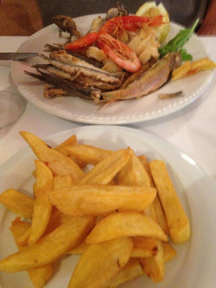 Massa La Torre fries and seafood