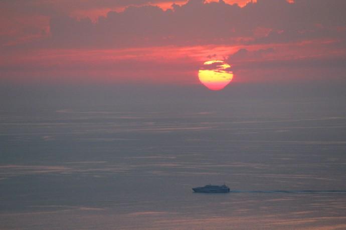 Massa, Sunset 2 molten sun dripping