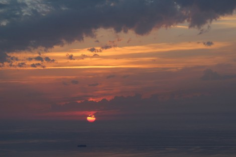 Massa, Sunset, sun, boat turbulent clouds