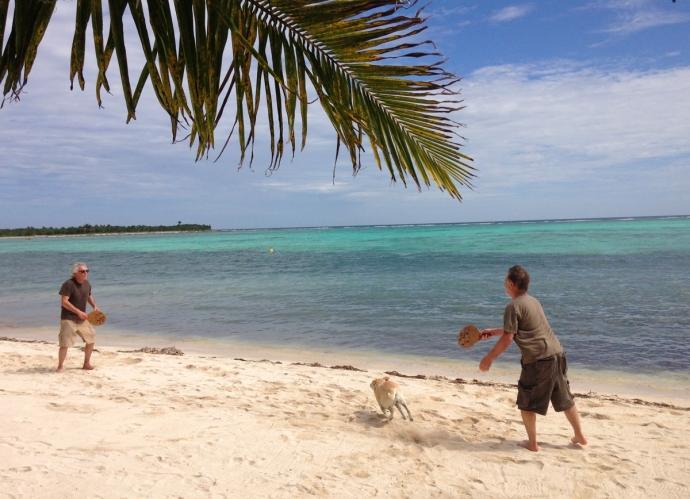 Nah Uxibal beach paddleball, Mimi