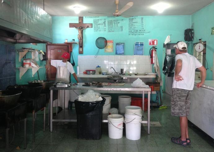 El Camello Jr fish market