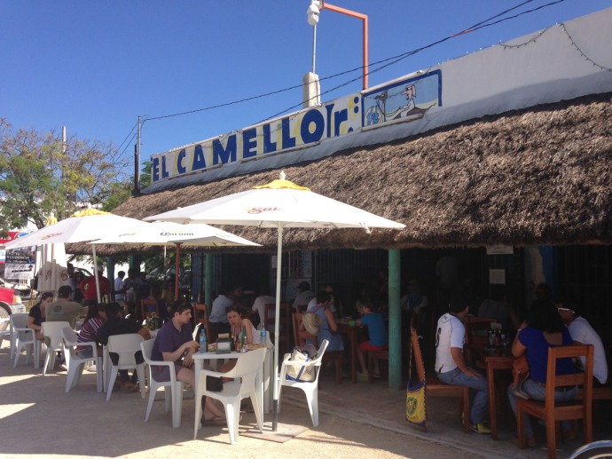 El Camello Jr front with diners