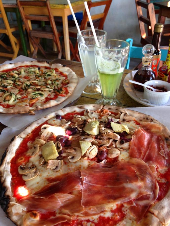 La Nave pizzas
