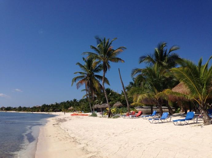 Uxibal beach view to south, blue skies