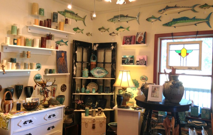 Avon, Kinakeet Clayworks fish corner
