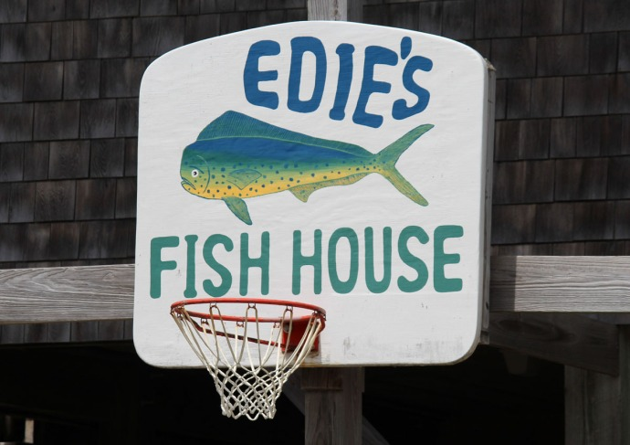 Frisco, Edie's Fish House sign