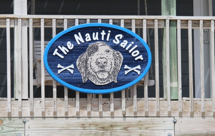 Frisco, Nauti Sailor sign