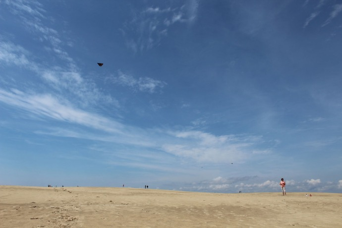 Jockey Ridge kite flyers, sky