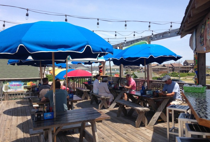 Nags Head, Mulligan's deck customers