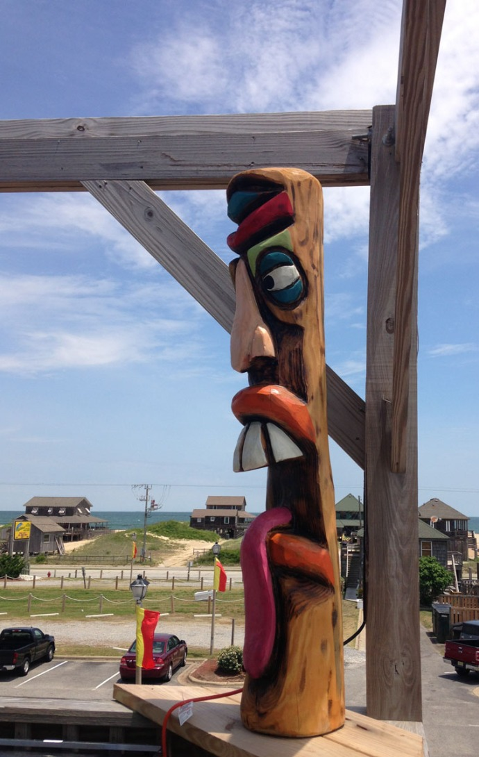 Nags Head, Mulligan's tongue out totem