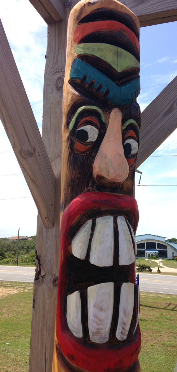Nags Head, Mulligan's toothy totem