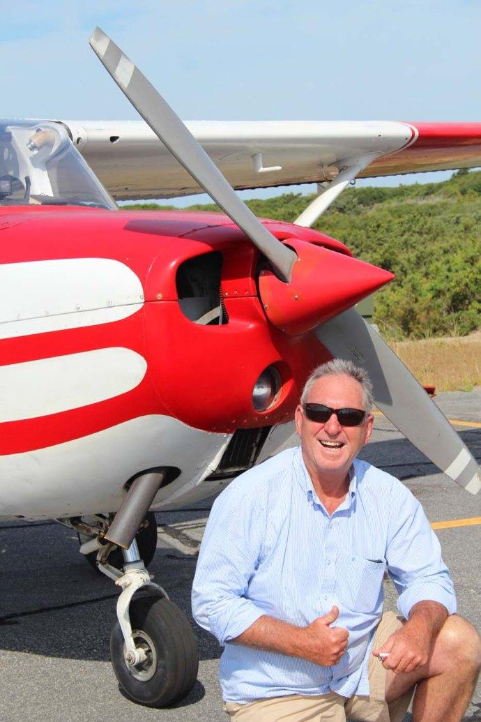 Hatteras Dwigh Burrus & plane