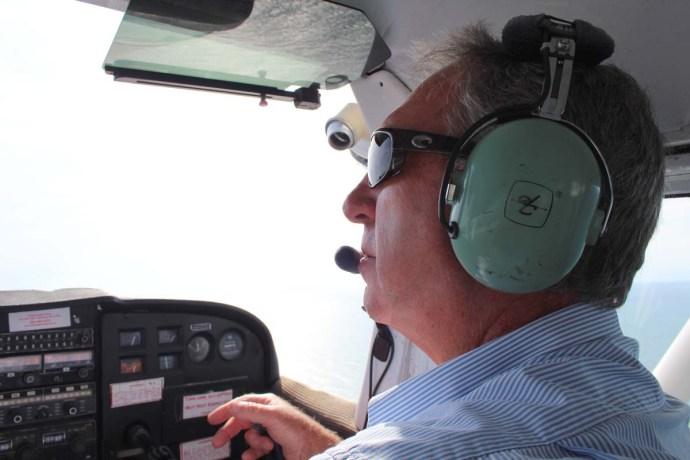 Hatteras Dwight flying