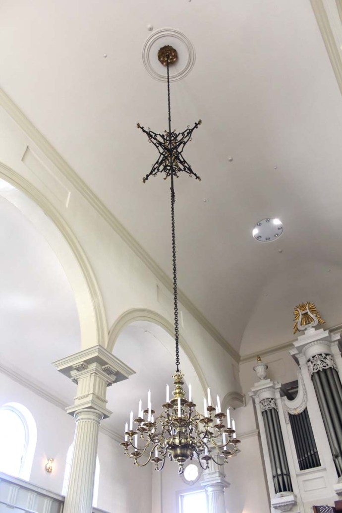 Philly, Christ Church chandelier vert