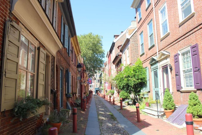 Philly, Elfreth's Alley wide view